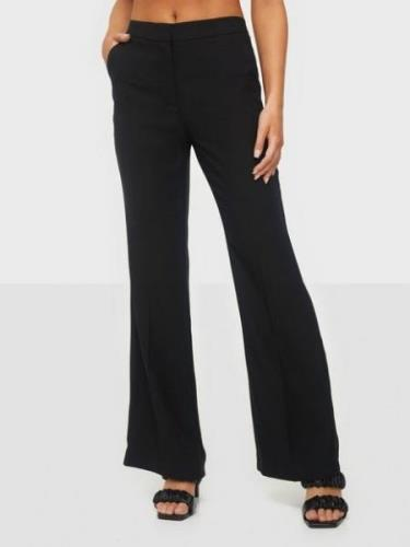 NLY Trend Shaped Suit Pants Musta